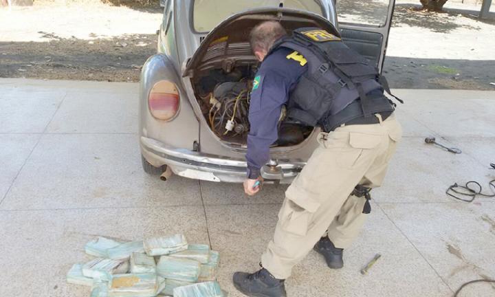 Agora Santa Inês - Casal é preso transportando droga avaliada em meio milhão de reais dentro de um Fusca
